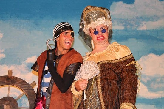Theatre Review: Pirates of the Ca-Rib-Eee-An (at Rattlin' D Playhouse)